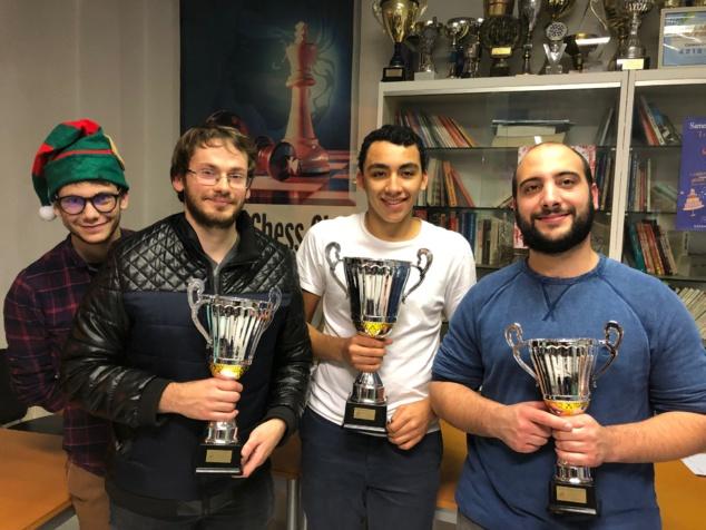 Les vainqueurs de l'open Corse Frêt de g à d: Michael Massoni l'arbitre lutin, Ludovic Utrera 2e, Nabil Bouslimi 1er et Pierre-Louis Pieri 3e