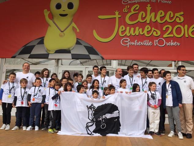 L'équipe de la Ligue Corse, au couleur du partenaire officiel Oscaro, a également bénéficié du soutien d'Air France dans cette compétition.