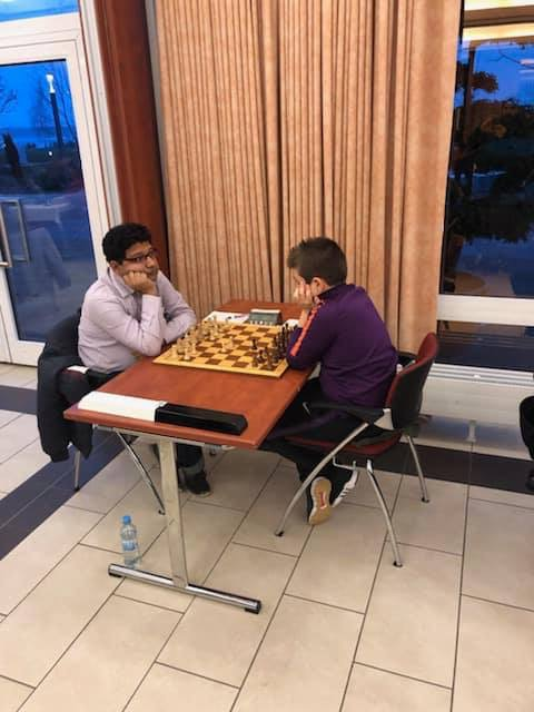 Marc'Andria contre le n°6 de l'open, le MI Indien Das Arghyadip 2431 elo, lors de la R1