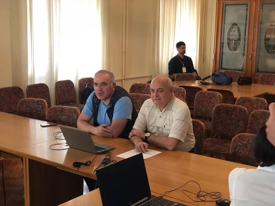 Marc'Andria Maurizzi entrainé par Kasparov