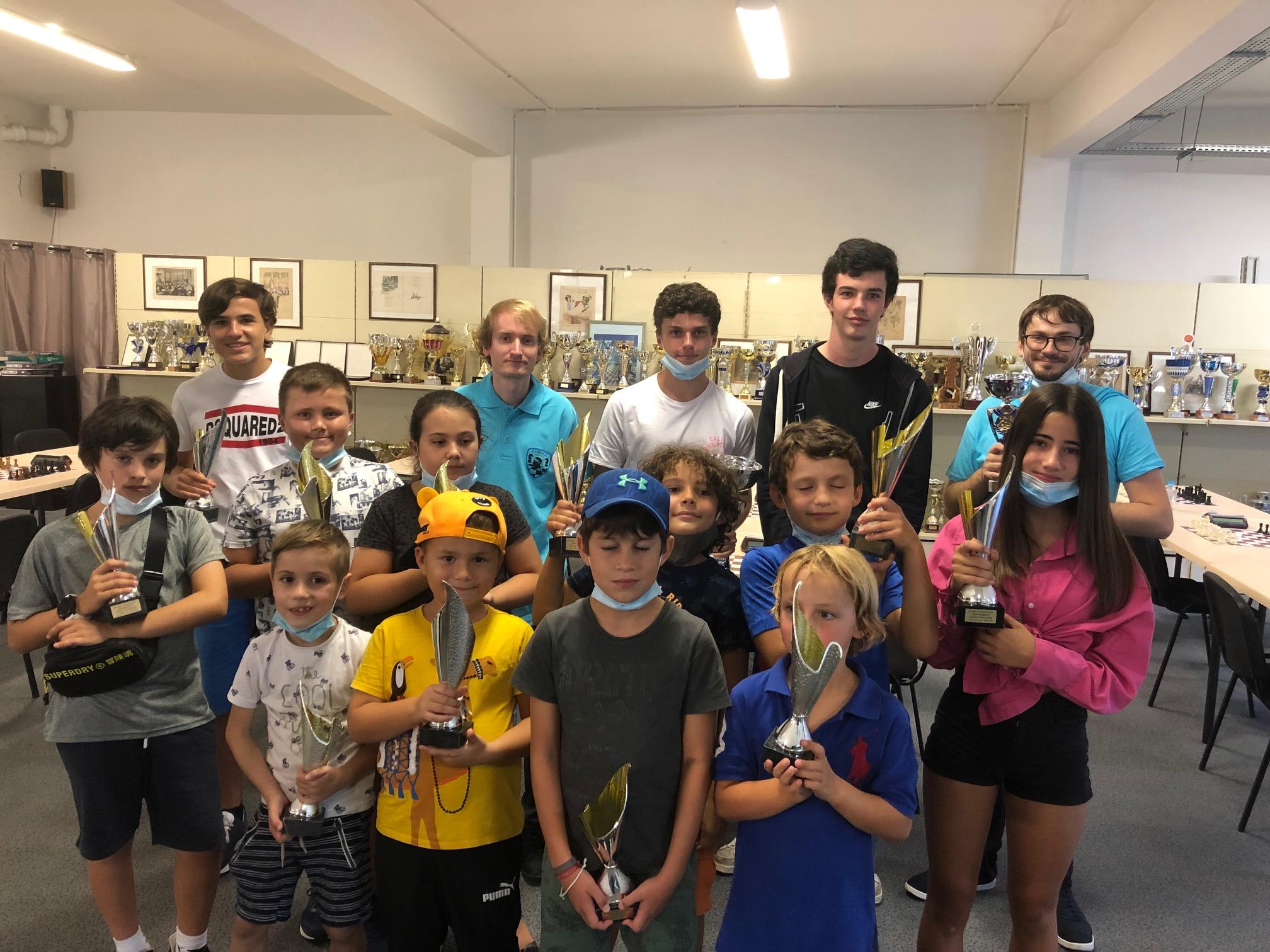 Baptiste Roux remporte le 1er blitz de la saison du Corsica Chess Club
