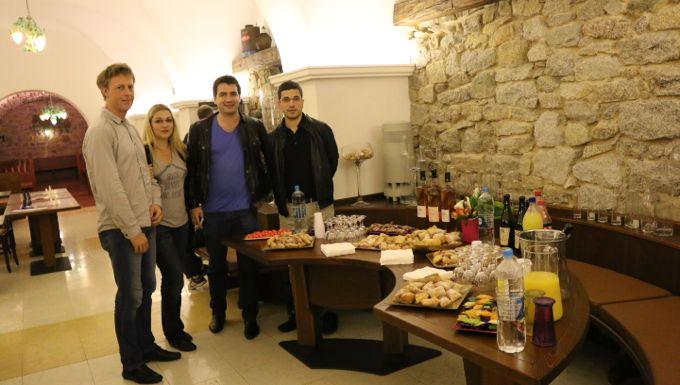 Pavel Trebugov, Almira Skripchenko, JB Mullon et Laurent Fressinet ont été chaleureusement accueilli au domaine Orsini...