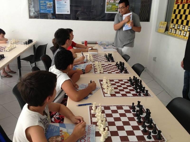 u stasgiu bislingu in « a casa di i scacchi » di Bastia, lugliu 2016