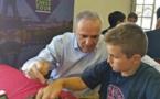 ÉNORME... Marc'Andria Maurizzi a pour partenaire le plus grand joueur de tous les temps : Garry Kasparov !
